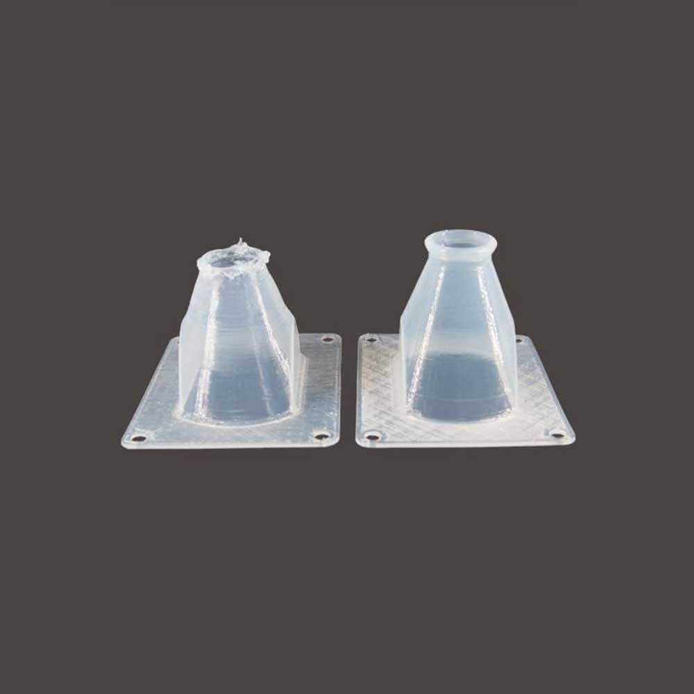 vue avant et après de la pièce 3D imprimée en silicone